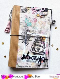 "Tuto ""carnet souvenir"" par Lylou.ben Diy Mini Album, Mini Albums Scrap, Ideas Scrapbook, Travel Scrapbook, Smash Book, Travelers Notebook, Bullet Journal, Crafts, Scrapbooking"