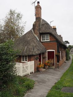 Cottage in Southwick, Sussex, England English Country Cottages, English Cottage Style, English Country Style, Irish Cottage, Old Cottage, English House, Cottage Homes, Cottage Gardens, English Countryside