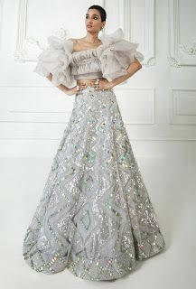 Indian Party Wear, Indian Wedding Outfits, Pakistani Outfits, Indian Outfits, Manish Malhotra Saree, Choli Dress, Lehenga Choli, Heavy Lehenga, Crop Top Dress