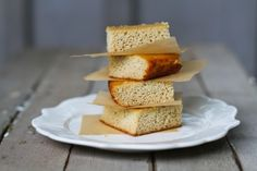 No-Corn Cornbread {using almond & coconut flour} #glutenfree #grainfree (for low carb, sub out the honey)