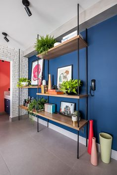 Home Design Decor, Living Room Designs, Living Room Decor, Bedroom Decor, Modular Bookshelves, Grands Salons, Blue Accent Walls, Colourful Living Room, House Front Design