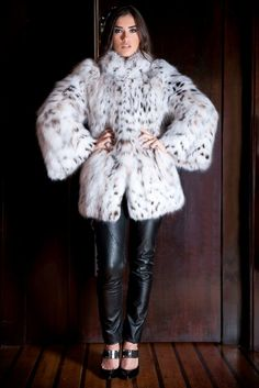 Fur Clothing, White Fur, Lynx, Furs, Fur Coat, Beautiful Women, Woman, Leather, Jackets