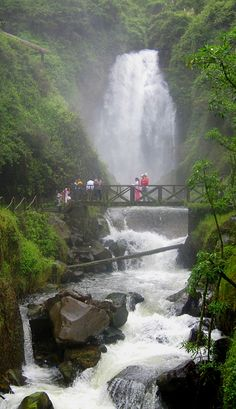 TatiTati Style ✤ Cascade de Peguche, Ecuador It's even more awesome than it looks! Bolivia, Chile, Cuenca Ecuador, Equador, Argentine, Galapagos Islands, South America Travel, Adventure Is Out There, Nature