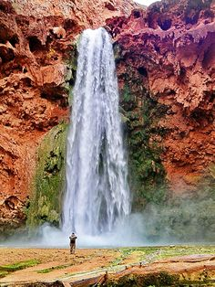 Hidden Waterfalls In Arizona. Be sure to add these to your travel Hidden Waterfalls In Arizona. Be sure to add these to your travel itinerary. Oh The Places You'll Go, Places To Travel, Places To Visit, Travel Destinations, Grand Canyon, Dream Vacations, Vacation Spots, Vacation Deals, Travel Deals
