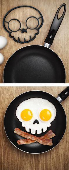 Skull Egg Mold // Halloween breakfast or late night. Kitchen Tools, Kitchen Gadgets, Kitchen Utensils, Kitchen Ideas, Egg Molds, Cool Gadgets, Kitchenware, Tableware, Food Styling