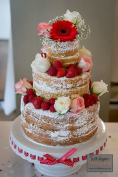 2014 Wedding Trend: Naked cakes ... icing  between layers and decoration, but no frosting or ganache / enrobing on the outside.