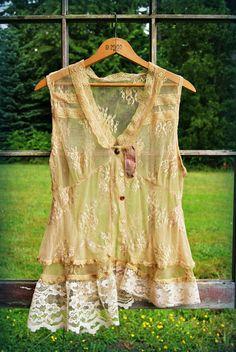 Modifié Couture, chemisier Upcycled recyclé, haut peuple libre, bohème top, blouse de l'art vestimentaire, Shabby chic dentelle top, chemisier en dentelle romantique