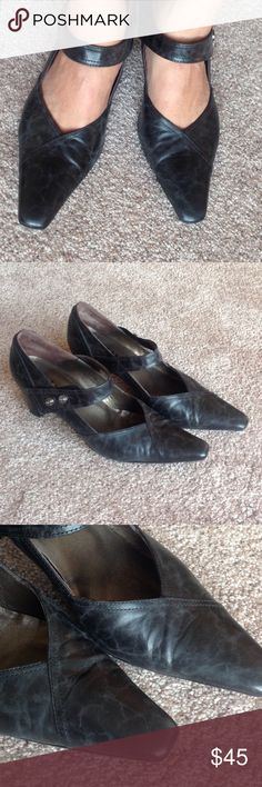Fidji black leather shoes Pre  loved and In very good condition. Made of 100% leather.                                          e Fidji Shoes