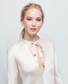 Jennifer Lawrence Photo NEW YEAR CARDS PHOTO GALLERY  | LH4.GGPHT.COM  #EDUCRATSWEB 2020-05-13 lh4.ggpht.com https://lh4.ggpht.com/_wfcrmLxyYBs/SzCkQ_1wTuI/AAAAAAAACRA/LkG5194NGqE/s800/01e.png