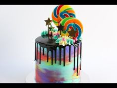 She Smears Colorful Frosting Onto A Cake. Now Watch When She Spins It On The Cake Stand... - Do It Yourself