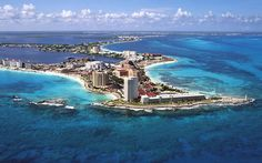 Holiday in exciting Cancun