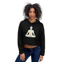 Let fashion take over your wardrobe with this great statement piece. The trendy raw hem and matching drawstrings means that this hoodie is bound to become a true favorite. Blouse Vintage, Long Cardigan, Cropped Hoodie, Streetwear Fashion, Shirt Blouses, Street Wear, Pants For Women, Sweaters For Women, Street Style