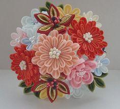 同じ花でも・・・つまみ細工 花の組み方 | つまみ細工 花ちりめん