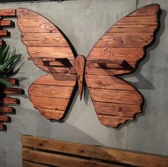 DIY Creative Ways to Recycle Wood Pallet Projects