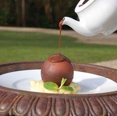 Chocolate circle that melts when you pour hot chocolate on it, to discover fresh fruit.... Amazing - Chateau de la Pigossiere, Nantes