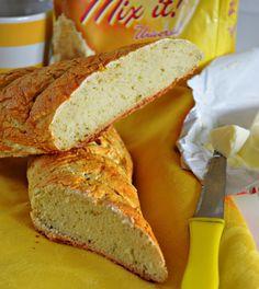 Gluten free baguettes with aromatic herbs. Aromatic Herbs, Cornbread, Banana Bread, Deserts, Gluten Free, Ethnic Recipes, Millet Bread, Glutenfree, Sin Gluten