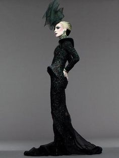 Daphne Guinness, what an amazing silhouette