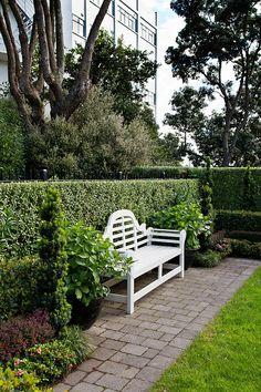 formal garden | HEDGE Garden Design & Nursery. Photo courtesy of Paul McCredie for NZ House & Garden.