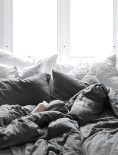My Comfy Bed (Only Deco Love) – cozy home comfy Comfy Bedroom, Bedroom Inspo, Dream Bedroom, Bedroom Ideas, Master Bedroom, Messy Bed, Most Comfortable Bed, Cozy Bed, My New Room