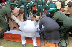 Welcome to Olusola Olaniyi's Planet blog : Sad photos from the funeral of the fallen heroes k...