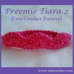 FREE crochet pattern for a Preemie Tiara 2 by Oui Crochet. Crochet Preemie Hats, Newborn Crochet, Crochet Baby, Knit Crochet, Crochet Girls, Love Crochet, Crochet Classes, Crochet Projects, Diy Projects