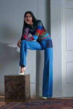 Victoria Beckham Resort | Коллекции весна-лето 2021 | Лондон | VOGUE Mode Victoria Beckham, Victoria Beckham Clothing, High Fashion, Fashion Show, Fashion Design, Bold Fashion, Colorful Fashion, Fashion Poses, Fashion Outfits