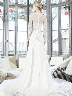 #Rusia #YolanCris #weddingdress #unusual #different #salonvencanica #handmade #Spanish #brend #vencanice #Didier #vencaniceBeograd #moda #fashion #bridalfashion #bridal #bride #mlada #model #materijal #white #long #dress #slevees #lace #flowers #weddingphotography