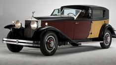 The 20 Most Expensive Rolls Royce Models Ever Sold - Real Time - Diet, Exercise, Fitness, Finance You for Healthy articles ideas Rolls Royce Phantom, Classic Cars British, Best Classic Cars, Sweet Cars, Rolls Royce Models, Vintage Rolls Royce, Old Rolls Royce, Porsche Sportwagen, Royce Car