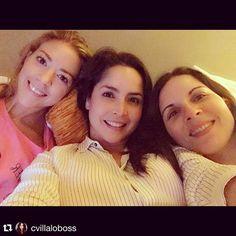 Las quiero niñas! Gracias x venir a verme! #Repost @cvillaloboss with @repostapp. ・・・ Reencuentro con pijama party incluida  Las adoro niñassssss @fernandacga @alafigueroa !!!
