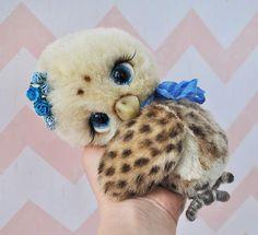 Artist Bears and Handmade Teddy Bears Bear Hugs, Cute Stuffed Animals, My Teddy Bear, Pin Cushions, Erika, Needle Felting, Cuddling, Owls, Plush