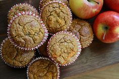 Cooler days are coming, and what better way to welcome them than with this delicious breakfast muffin? Sweet and spicy, these apple carrot muffins will have… Pumpkin Spice Muffins, Carrot Muffins, Baby Food Recipes, Indian Food Recipes, 1 Year Baby Food, Valeur Nutritive, Food Charts, Gluten Free Muffins, Ober Und Unterhitze