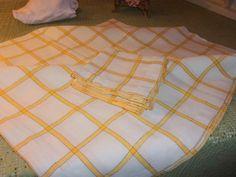 Un petit service ancien , une nappe et 10 serviettes de la boutique FRANCEDECO sur Etsy