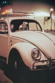 (ô.\_!_/.ô) Vintage VW with roof rack