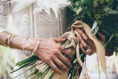 boho bride with bouq