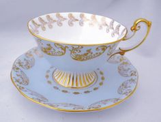 ROYAL-ALBERT-VERY-WIDE-GRAND-GOLD-BABY-BLUE-ROSE-BOUQUET-TEA-CUP-AND-SAUCER