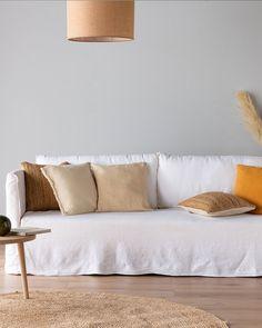 VENCE -  canapé 3 places fixe en lin beige roucas  Structure en pin massif et panneaux de particules. Suspensions par ressort type zigzag. Pieds hêtre massif finition chêne clair. Revêtement :100% Lin 425gr/m². Made In France, Love Seat, Couch, Vence, Furniture, Home Decor, Natural Carpet, 3 Seater Sofa, Living Spaces