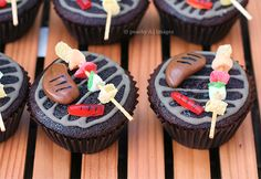 Barbecue Grill Cupcakes - Adorbs~ MIKE AND IKES FOR HOTDOG AND TOOTSIE ROLL FOR STEAK. These are awesome!