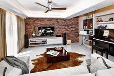 wall & rug