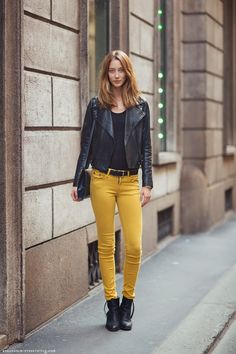 Kokeile Your Facen S/S 2013 keltaisia farkkuja biker-takin kanssa!