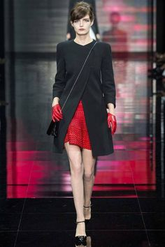 '40s Inspired fashion was present in Armani Prive on the Fall 2014 Couture Runway. From the delicate gloves to the structured mid length jacket, this would be a perfect look to emulate for fall!