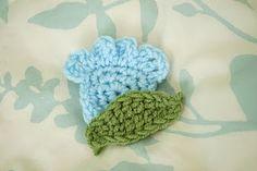 Tulip style flower crochet pattern (free)