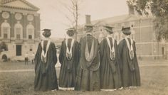 Sweet Briar College's first Commencement, 1910.  Sweet Briar College, some rights reserved. CC-BY-NC.