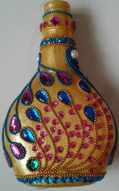 Each of these beer flask crafts provide a bunch of tips to reuse and reinvented this everyday merchandise, Would you like to decide to salvage personal mauve bottle or repurpose it? Glass Bottle Crafts, Wine Bottle Art, Diy Bottle, Bottle Vase, Bottles And Jars, Glass Bottles, Beer Bottle, Empty Bottles, Plastic Bottles