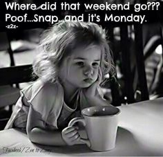 Yes it's Monday again! Monday's can be rough but we have 50 funny Happy Monday quotes to brighten your day. I Smile, Make Me Smile, Kind Photo, Foto Baby, Jolie Photo, Children Photography, Photography Women, Vintage Photography, White Photography