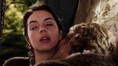 "Francis Valois & Mary Stuart - Reign ""In a Clearing"" - Season Episode 5 Romantic Kiss Gif, Romantic Movies, Mary Stuart, Cute Couples Kissing, Scene Couples, Reign Season 3, Isabel Tudor, Passion Gif, Adelaide Kane Gif"
