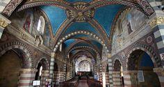 Al centro di Bobbio troverete il Duomo di Bobbio che ospita anche gli Archivi Storici Bobiensi. Visita la pagina  Visualizza immagine