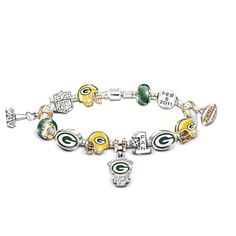 Oooh - this will match that necklace I pinned a month ago! Green Bay Packers Logo, Packers Baby, Greenbay Packers, Packers Football, Packers Super Bowl, Thing 1, Green And Gold, Pandora Charms, Fine Jewelry
