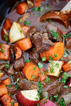 Slow Cooker Beef Bourguignon Recipe is a delicious classic made easy in the slow cooker! Loaded with vegetables, beef and a rich sauce, it's a favorite! Beef Bourguignon Slow Cooker, Bourguignon Recipe, Slow Cooker Beef, Slow Cooker Recipes, Crockpot Recipes, Chicken Recipes, Cooking Recipes, Easy Recipes, Dinner Recipes