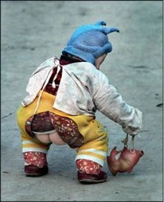 """Chinese babies wear """"kaidangku"""" (literally """"open-crotch pants"""") instead of diapers"""