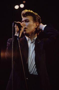 Lounge Singer Bowie